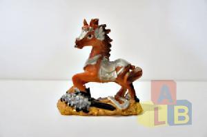 Сувенир Лошадь из пластм. арт.ym-338 (1/2 цена за шт.) (кор.576) фото